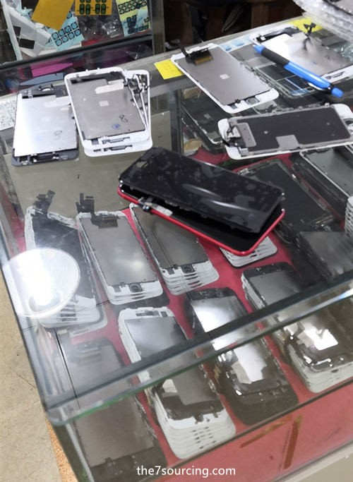 Your Product Sourcing Dept. in China | The7 Sourcing feiyang-market-8 Sourcing Mobile Phone Spare Parts in Shenzhen Huaqiangbei, What is the experience?